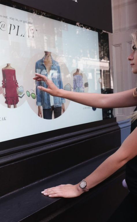 Sportsgirl 'Shoppable Window' Experience